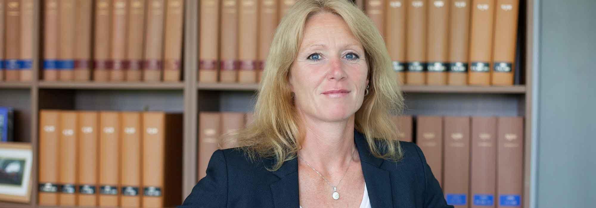 Anwalt bei Motorradunfall, Ines Gläser